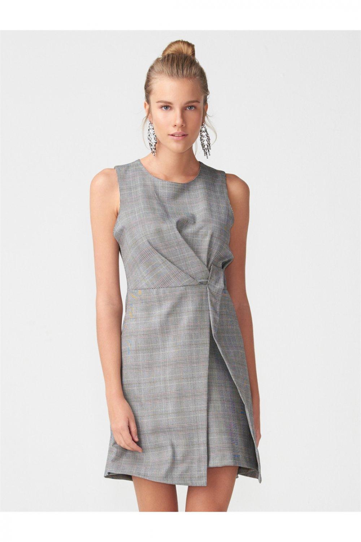 bab6a753bb573 Dilvin Yan Detaylı Kolsuz Bordo Mini Elbise | ElbiseBul