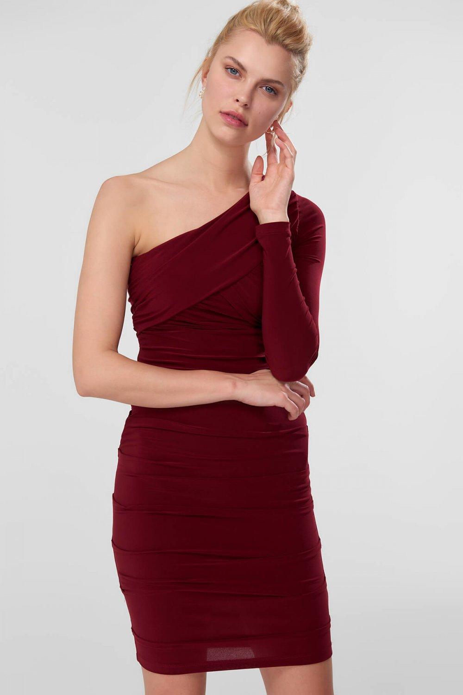 7c2355da6ab4b Trendyolmilla Bordo Drape Detaylı İncelten Efektli Mini Abiye Elbise ...