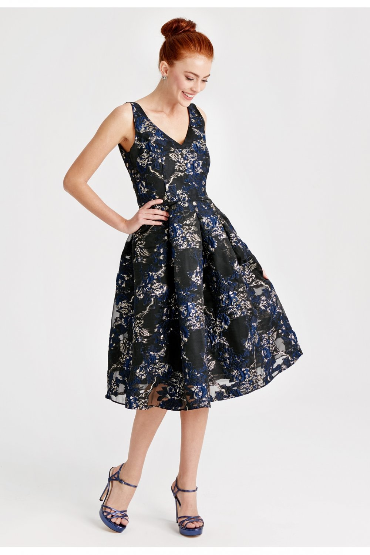43de3df86110f Lc Waikiki V Yaka Çiçekli Kloş Elbise | ElbiseBul