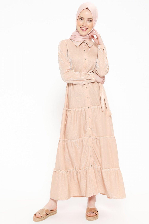 9635545933ab1 Beha Tesettür Pudra Kendinden Simli Boydan Düğmeli Elbise   ElbiseBul