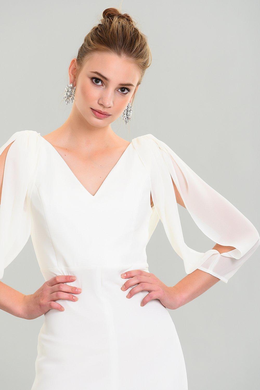 9cc561bface53 People By Fabrika Sırt Dekolteli Beyaz Kolları Şifon Uzun Abiye Elbise