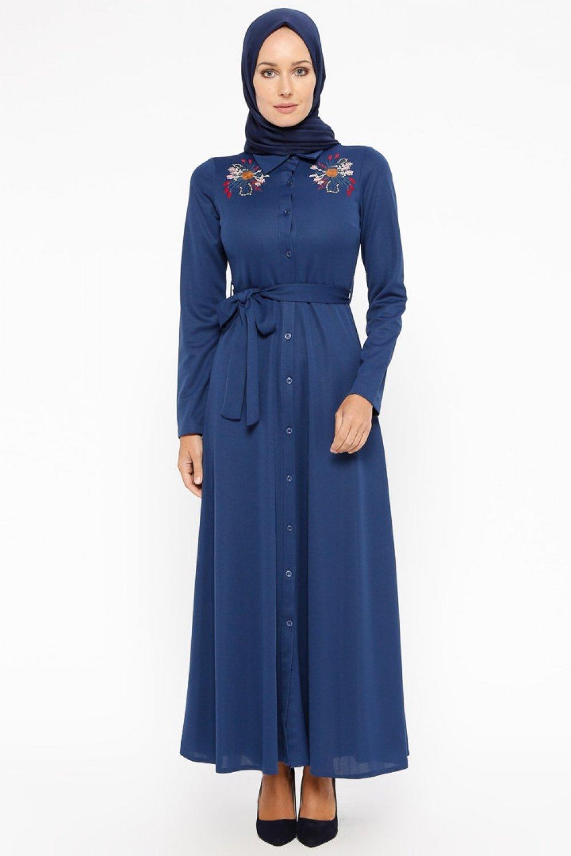 976a10c28bfd9 Laruj İndigo Nakışlı Boydan Düğmeli Elbise   ElbiseBul