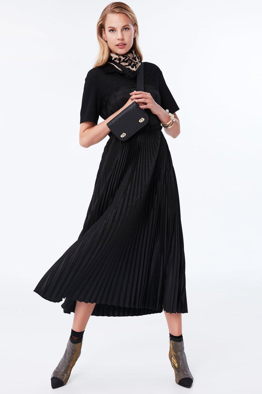 97a5c6f149895 İpekyol Siyah Pilisole Etekli Polo Yaka Uzun Abiye Elbise | ElbiseBul
