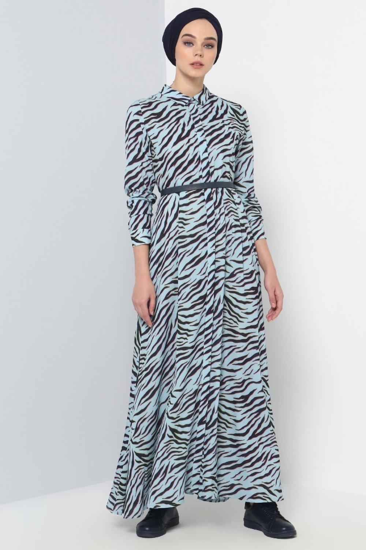 9ef6826ccaaa8 Benin Mavi Desenli Gizli Düğmeli Elbise | ElbiseBul