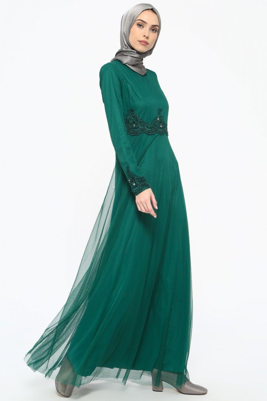 9e497aa026819 Tavin Zümrüt Yeşili Güpür Detaylı Abiye Elbise | ElbiseBul