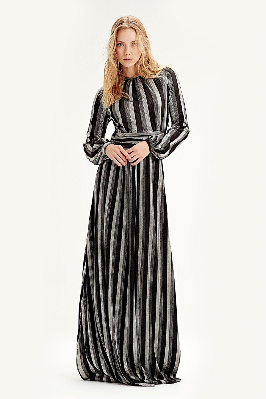 dbf0b886772e2 Mizalle Siyah Varaklı Uzun Abiye Elbise   ElbiseBul