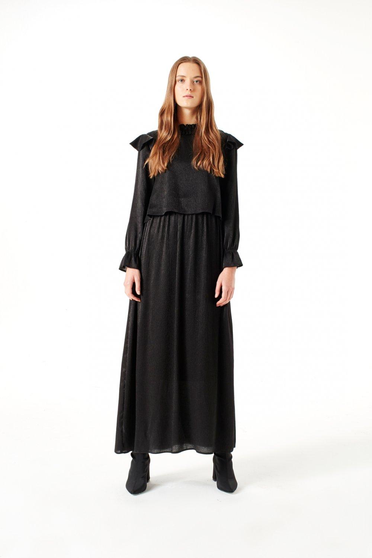 b4f1738f83950 Mizalle Siyah Volan Omuz Detaylı Uzun Abiye Elbise   ElbiseBul