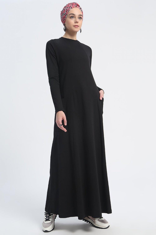 51ef8e07500e0 Everyday Basic Siyah Doğal Kumaşlı Cep Detaylı Spor Elbise | ElbiseBul