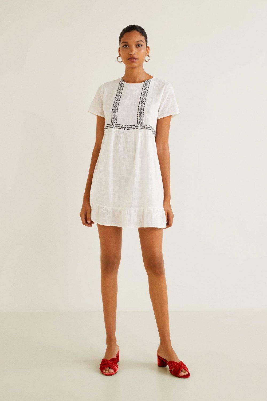 0b96688341e20 Mango Kırık Beyaz İşlemeli Koton Mini Elbise   ElbiseBul
