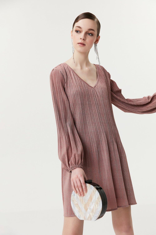 732e476d4f295 İpekyol Pudra Pilisole Form Parlak Mini Elbise | ElbiseBul