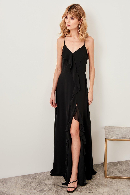f18c85f2cc5f7 Trendyolmilla Sırt Dekolteli Askılı Siyah Fırfırlı Uzun Abiye Elbise ...