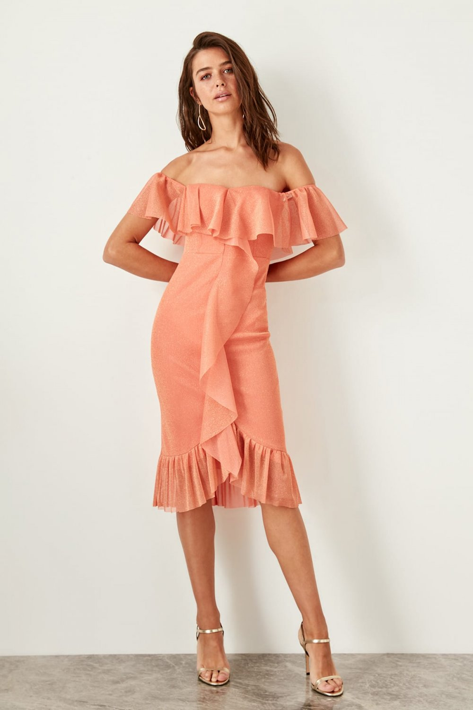 881a5e3b0ef3f Trendyolmilla Bej Turuncu Volan Detaylı Işıltılı Midi Abiye Elbise ...