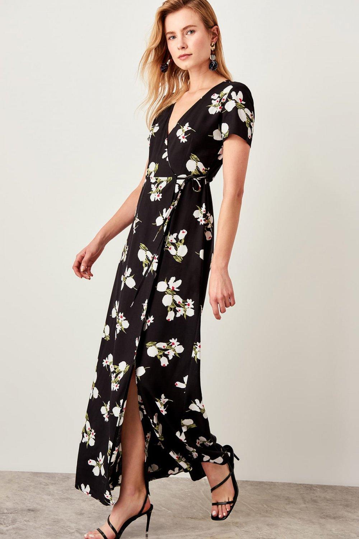 affaebfd8c314 Trendyolmilla Siyah Kruvaze Yaka Desenli Uzun Elbise   ElbiseBul