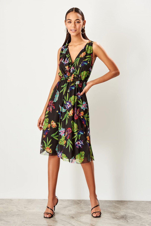 0f814ff4bb4d5 Trendyolmilla Siyah Kruvaze Yaka Desenli Örme Midi Elbise   ElbiseBul