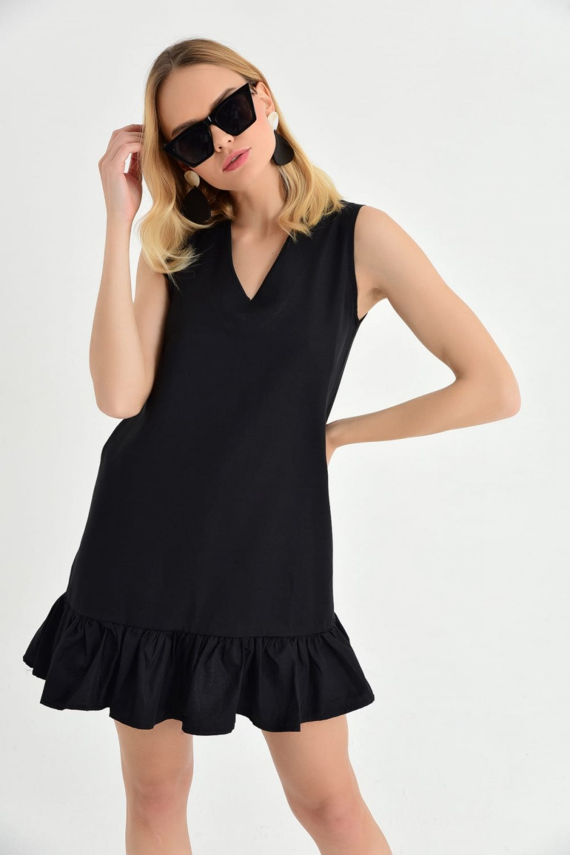 c34766ee38199 Cool & Sexy Siyah Eteği Volanlı Mini Elbise | ElbiseBul