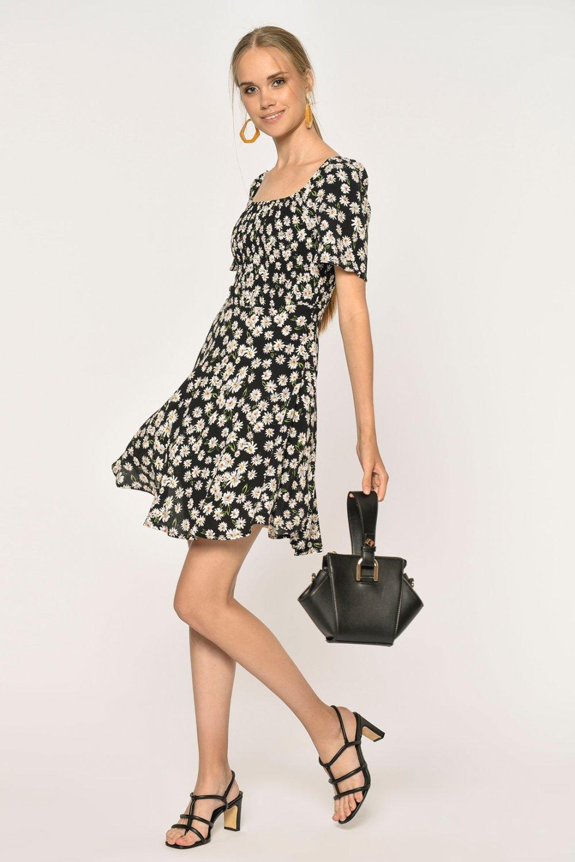 Loves You Carmen Yaka Papatya Desenli Crep Mini Elbise