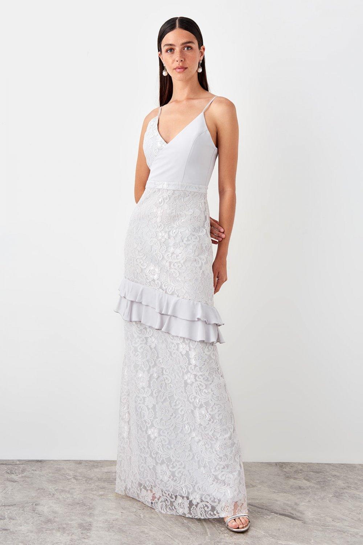 Trendyolmilla Askılı Gri Volan Detaylı Dantel Uzun Abiye Elbise