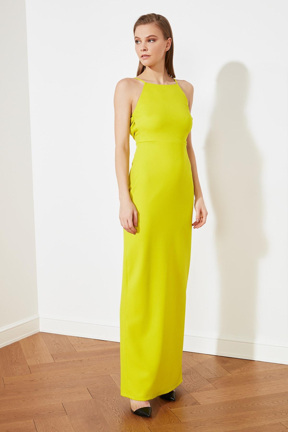 Trendyolmilla Sarı Sırt Detaylı Uzun Abiye Elbise