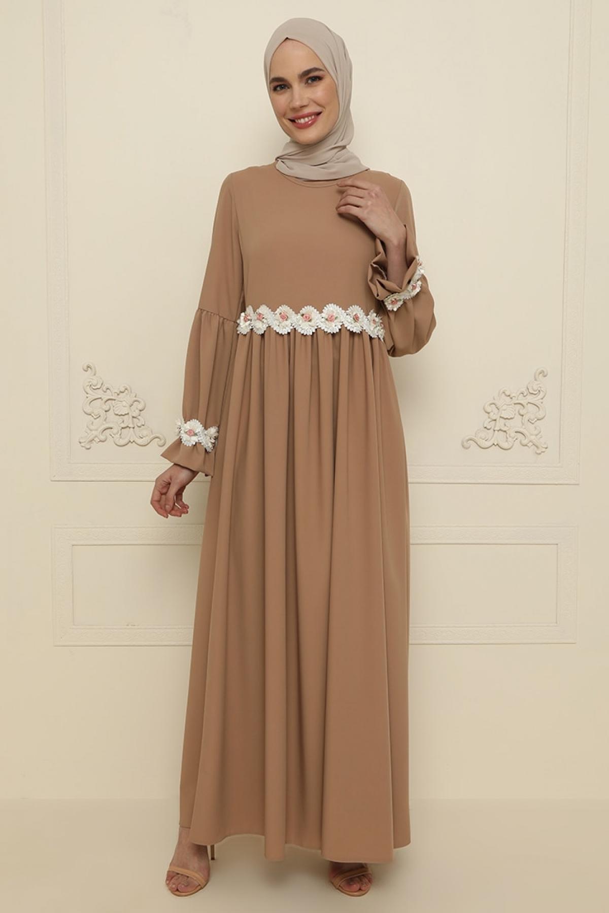 Gold Dresses Bej Çiçek Detaylı Abiye Elbise