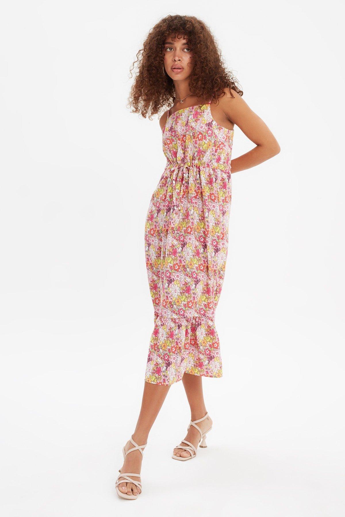 Trendyolmilla Renkli Bel Büzgülü Askılı Midi Elbise