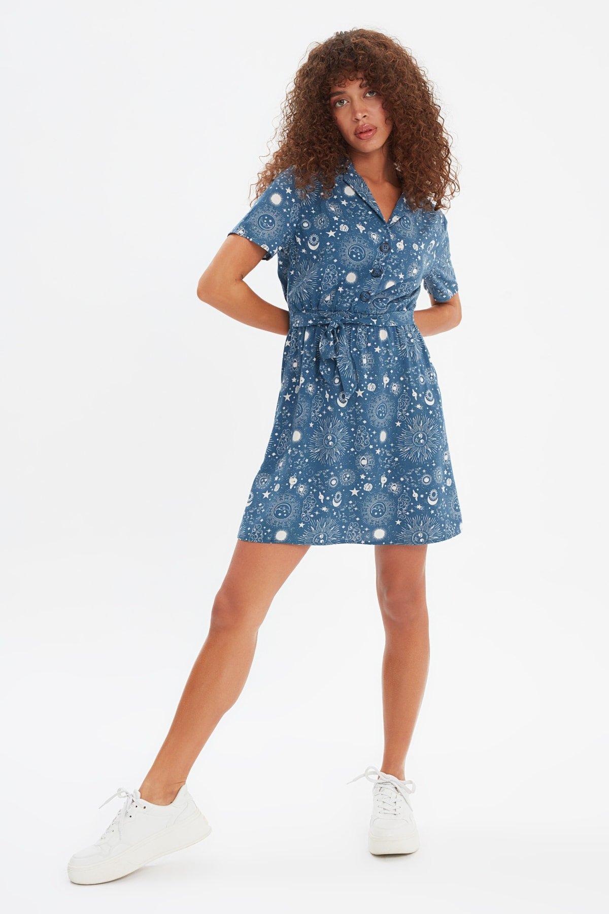 Trendyolmilla Lacivert Kuşaklı Düğme Detaylı Mini Elbise