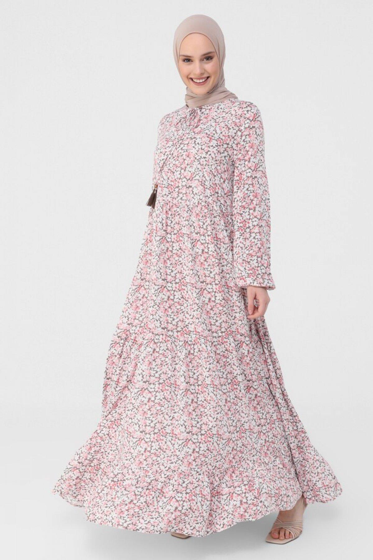 Refka Pembe Yakası Bağcıklı Çiçek Desenli Viskon Elbise