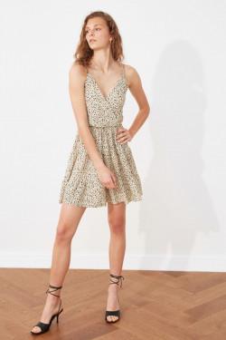 Trendyolmilla Askılı Ekru Desenli Kruvaze Örme Mini Elbise