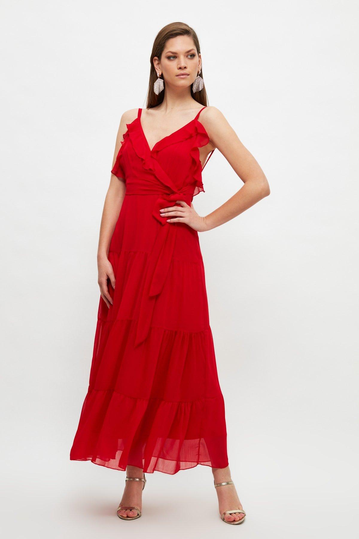 Trendyolmilla Askılı Kırmızı Yaka Detaylı Uzun Abiye Elbise