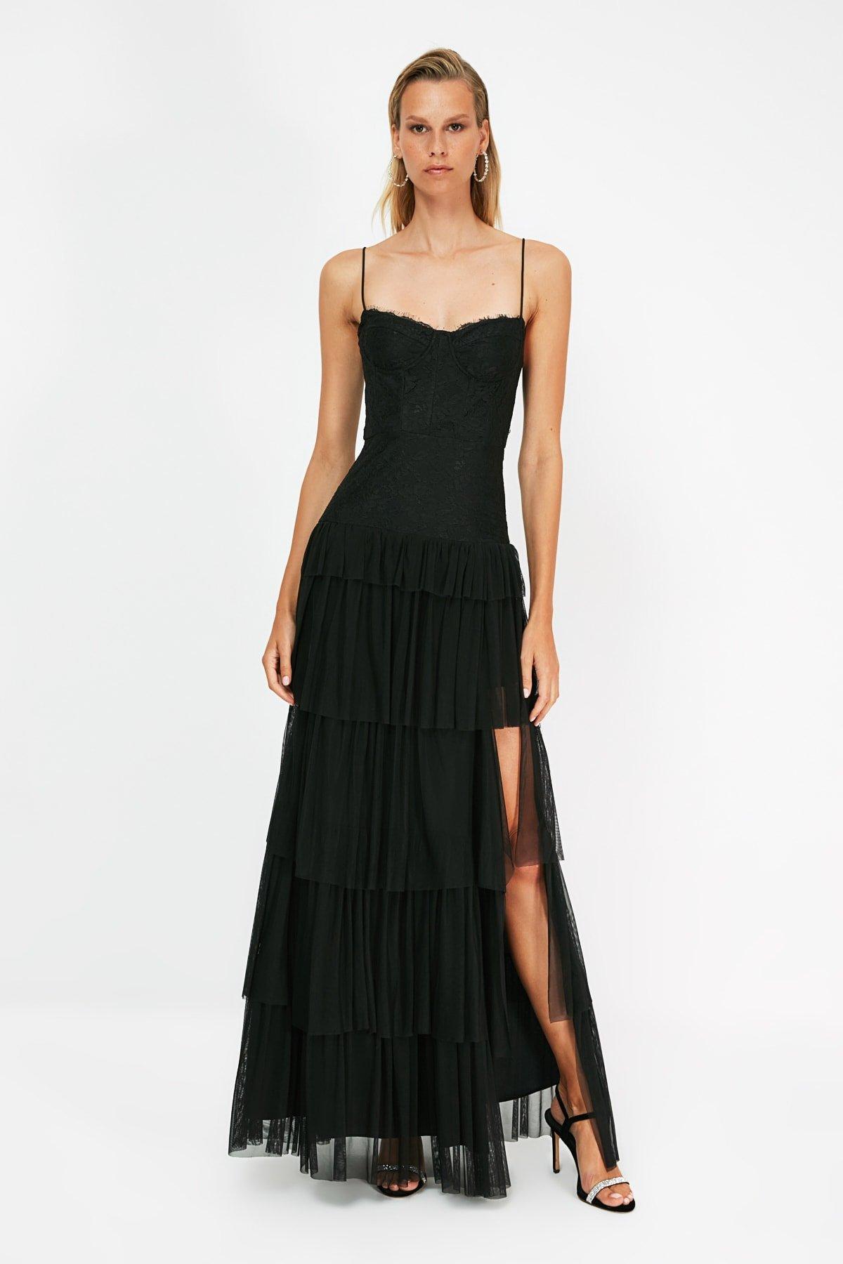 Trendyolmilla Askılı Siyah Dantel Detaylı Uzun Abiye Elbise
