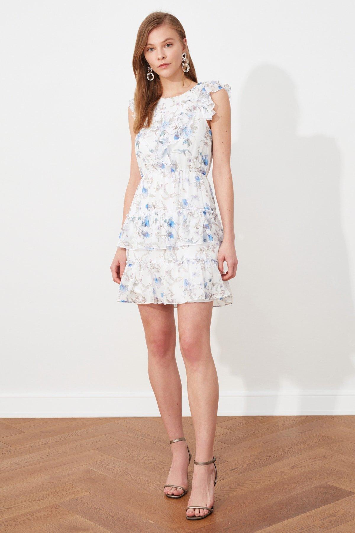 Trendyolmilla Beyaz Volanlı Mini Elbise