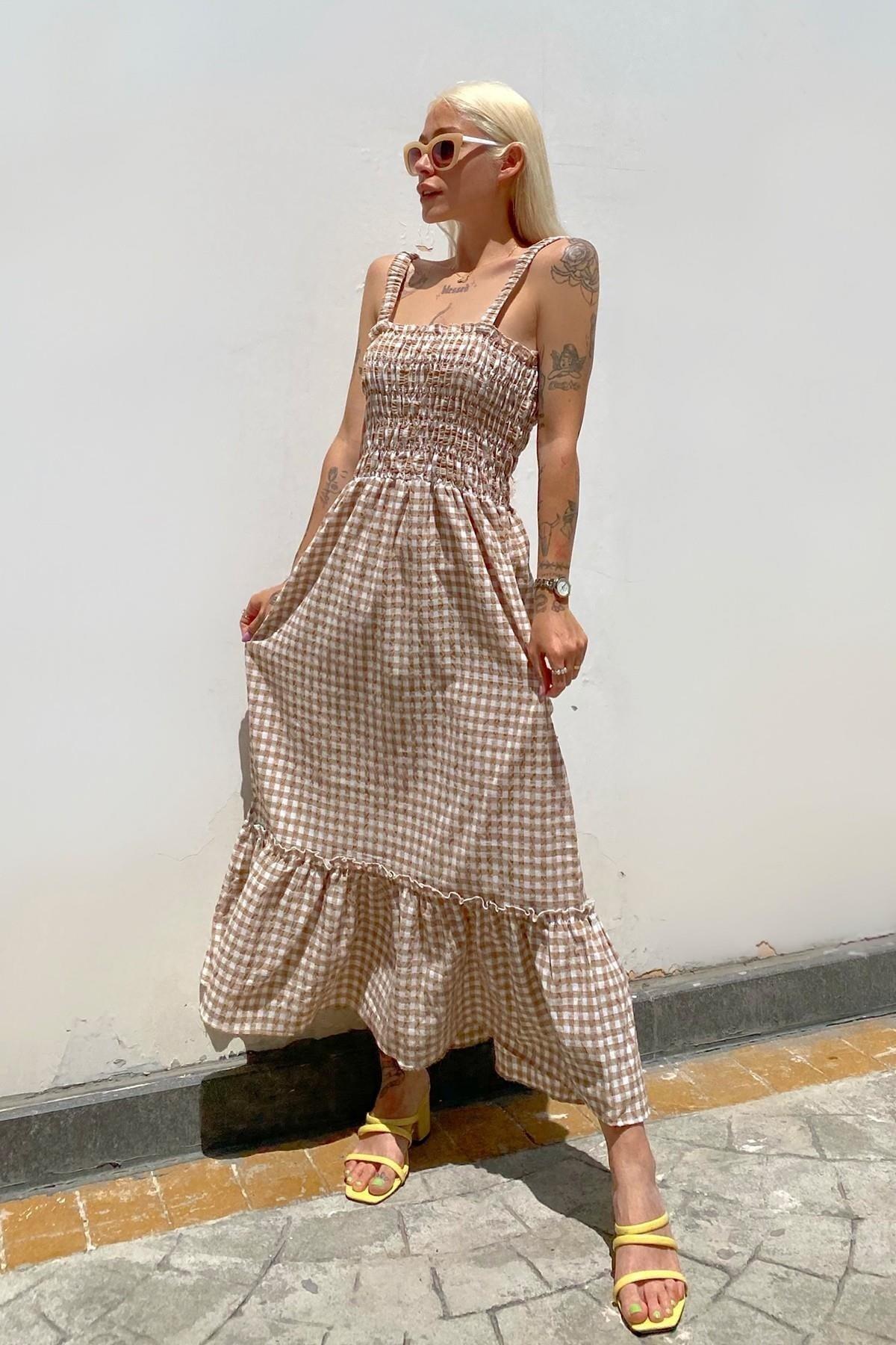 Swistluxury Vizon Askılı Gipeli Pötikare Desenli Uzun Elbise