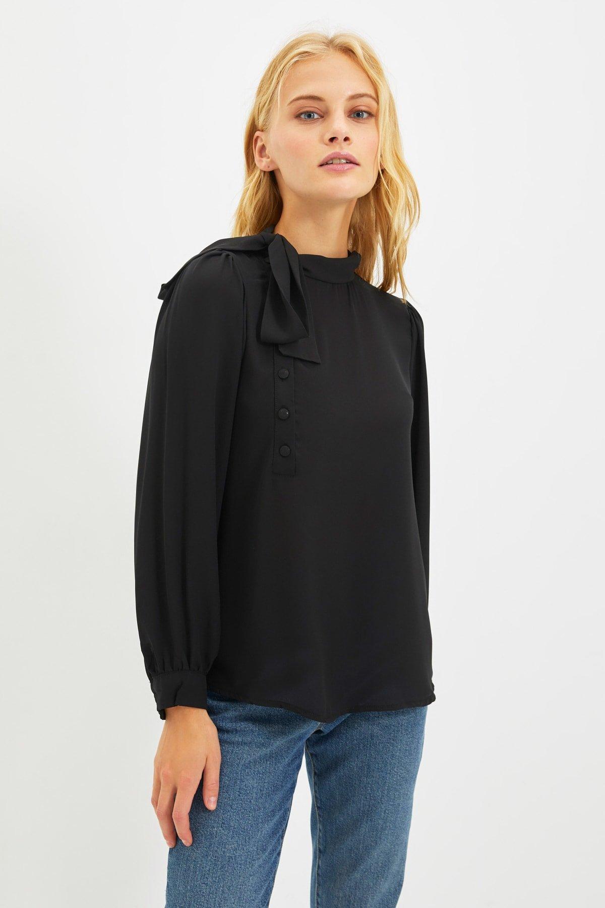 Trendyolmilla Siyah Fular Yaka Bluz