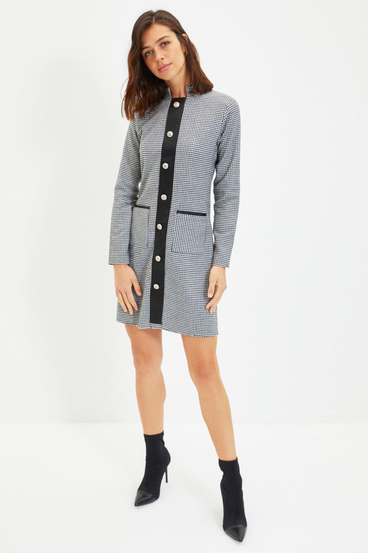 Trendyolmilla Renkli Düğmeli Mini Elbise